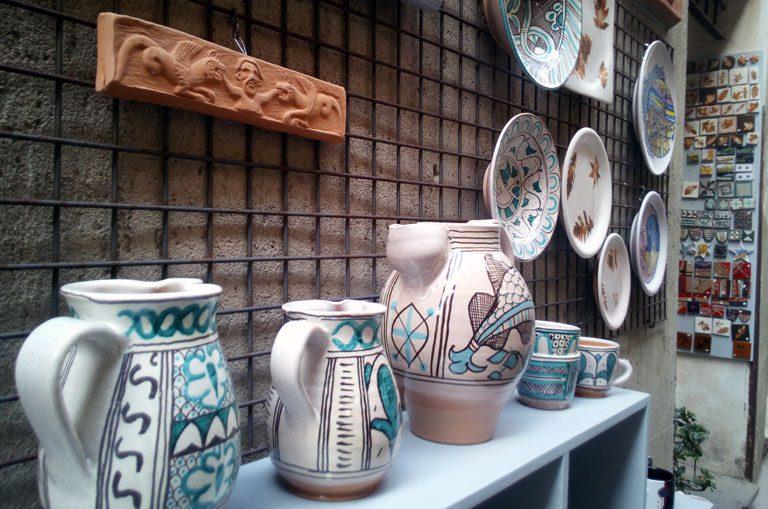 Schiffscharter Italien - toskanische Keramik