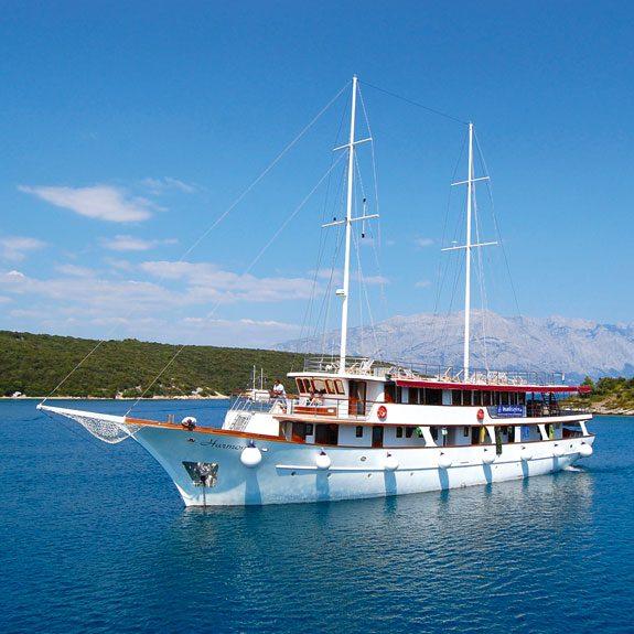Schiffe für Yachtcharter im Mittelmeer